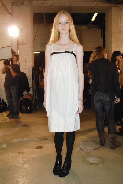Veronique Branquinho at Paris Spring 2008 (Backstage)