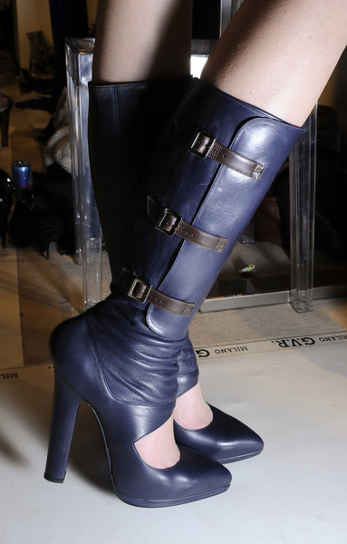 Versace at Milan Fall 2010 (Details)