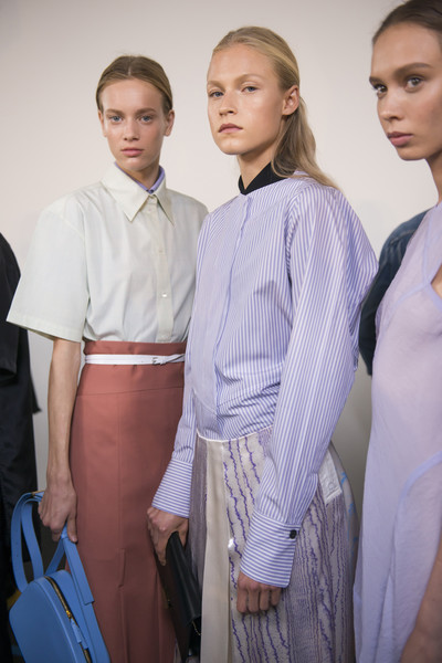Victoria Beckham at New York Spring 2018 (Backstage) [clothing,fashion,uniform,fashion design,sleeve,formal wear,white-collar worker,haute couture,shirt,dress shirt,socialite,victoria beckham,haute couture,fashion,abdomen,clothing,uniform,new york fashion week,dress shirt,abdomen,socialite,haute couture,shirt]
