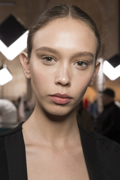Victoria Beckham at New York Spring 2018 (Backstage) [hair,face,eyebrow,lip,hairstyle,forehead,chin,beauty,cheek,fashion,victoria beckham,fashion,model,haute couture,hairstyle,eyebrow,lip,milan,new york fashion week,fashion show,milan,milan fashion week,fashion show,model,printemps-\u00e9t\u00e9 2018,fashion,haute couture,victoria beckham]