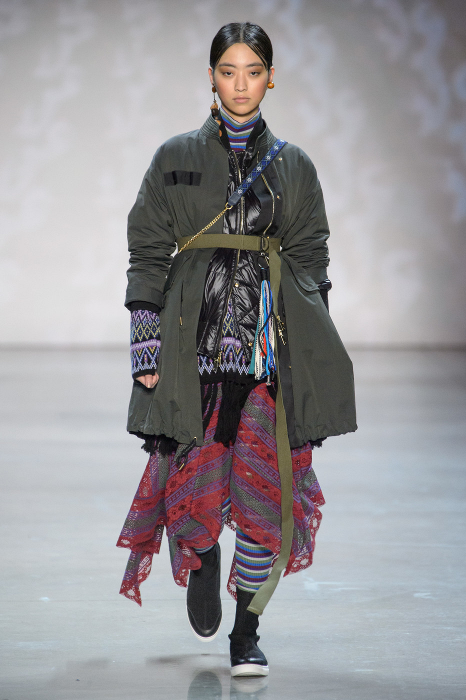 Vivienne Tam Fall 2018 Runway Pictures - Livingly