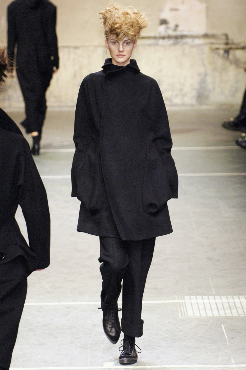 Yohji yamamoto at paris fashion week fall 2005 livingly Japanese clothing designers