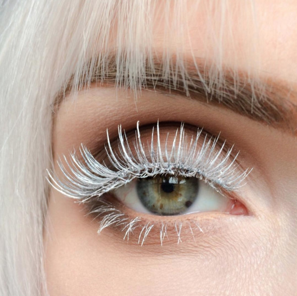 Snow Queen - Next-Level Lashes To Elevate Your Makeup Game - Livingly Snow Queen - 웹