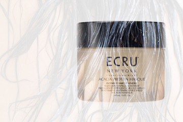 Current Obsession: Ecru New York Acacia Protein Masque