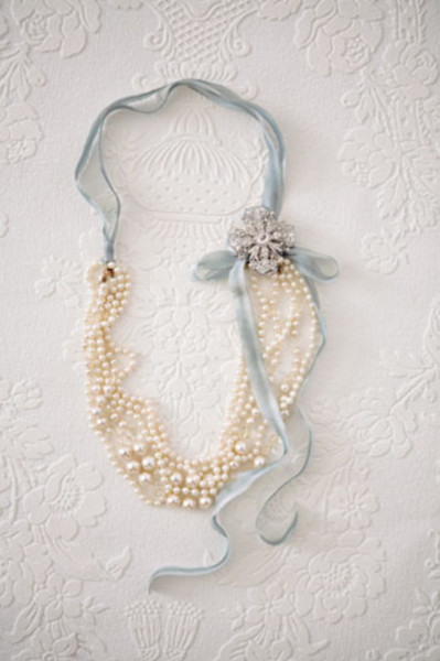 DIY Ribbon and Pearl Brooch Necklace