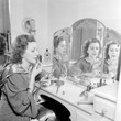 Women Were Shamed For Buying Makeup During The Great Depression
