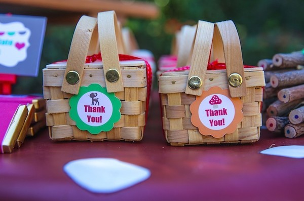 Try Mini Picnic Baskets For Goodies