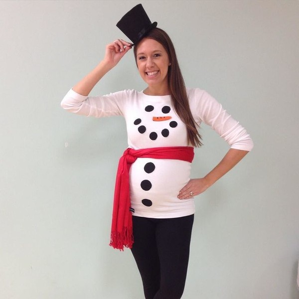 Snowman Costume - Easy Maternity Halloween Costumes to Dress Up ...