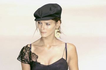 These Runway Looks From 2002 Are Surprisingly On-Trend