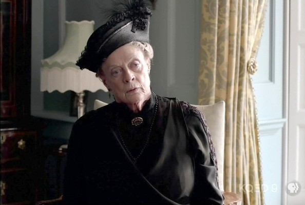 Maggie Smith Interview - The Dowager Countess Doesn't Watch 'Downton Abbey' [VIDEO]