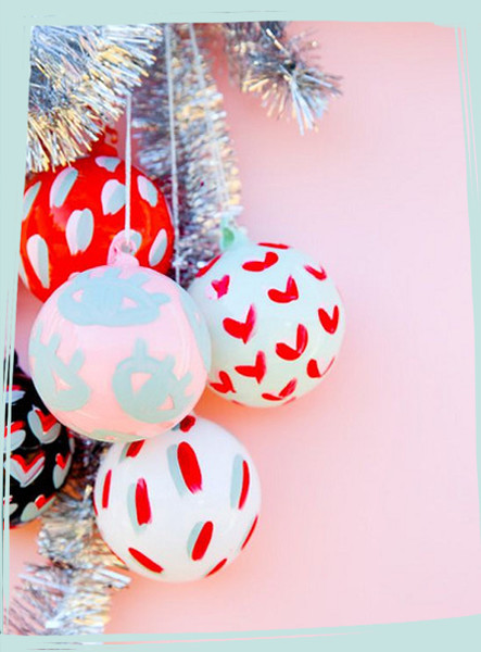 Easy and Unique DIY Christmas Tree Ornaments
