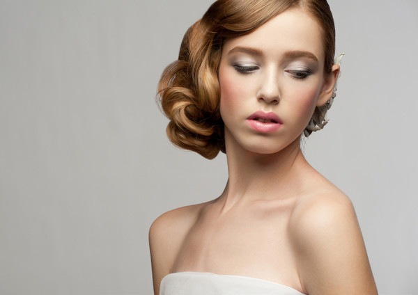 6 Months Away: Schedule your hair and makeup trials