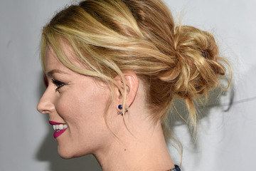 Hair Idea To Try: Elizabeth Banks' Twisted Bun