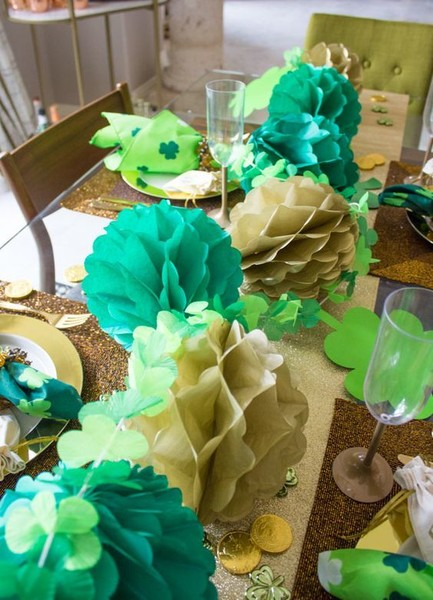 Honeycomb Ball And Shamrock Table Runner