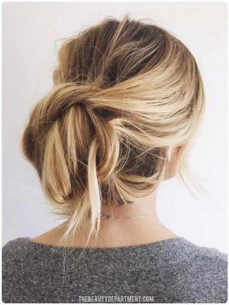 Ways to Pull Off the Perfect Messy Pinterest Updo