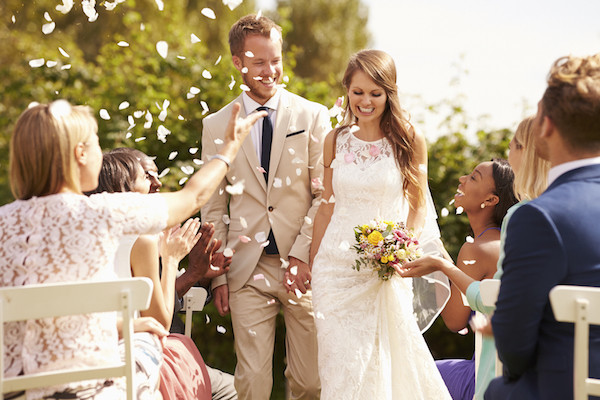 Crucial Things You Need To Have With You On Your Wedding Day