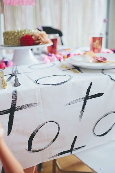 XOXO Tablecloth