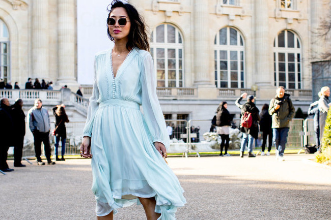60 Outfit Ideas From Paris Fashion Week 39 S Street Style