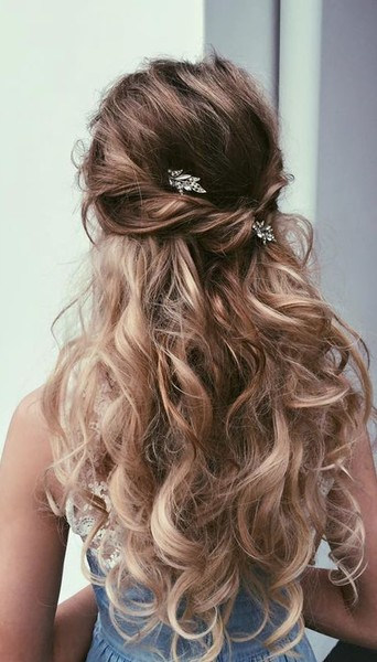The Prettiest Half Up Half Down Hairstyles For Summer Livingly