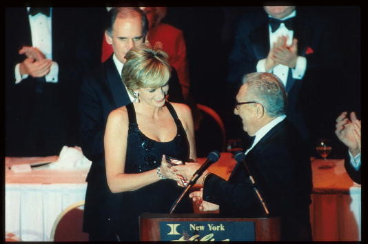 Diana Accepts Humanitarian Award