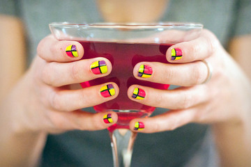 Sips and Tips: The It Girl Cocktail and the Pop Art Mani