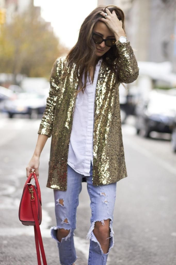 13 Tips On How To Wear Glitter All December Long (And Not Look Crazy)
