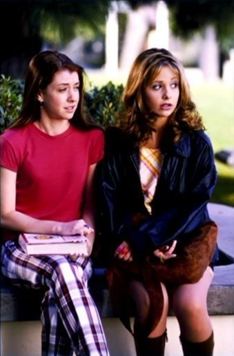 Buffy And Willow In 'Buffy The Vampire Slayer'