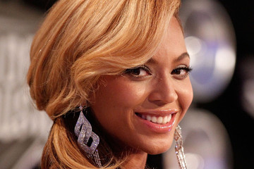 Beyonce's 12 Most Glamorous Beauty Moments