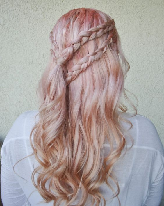 Daenerys Targaryen-inspired double braided hairstyle.