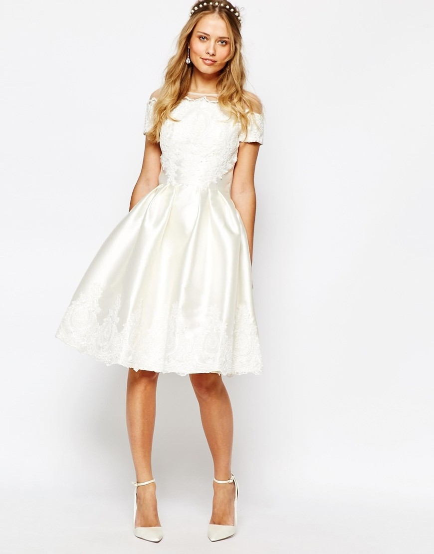 I Tried on an ASOS Wedding Dress So You Don\'t Have To - Tying The ...