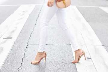 White Jean Outfit Ideas Perfect for Summer