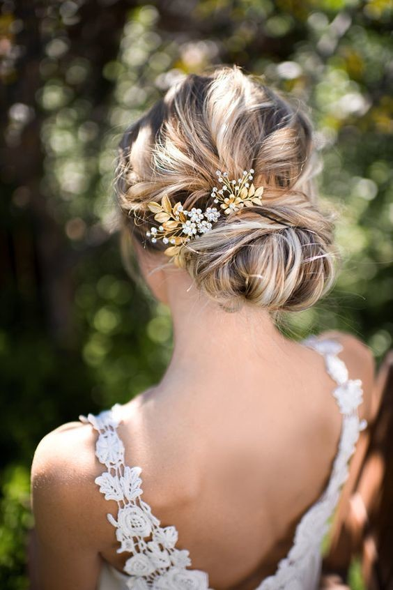 golden accent messy chic boho wedding hairstyles that. Black Bedroom Furniture Sets. Home Design Ideas