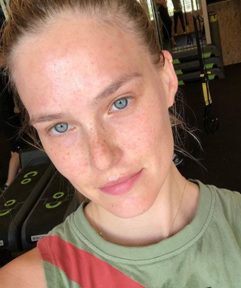 Bar Refaeli This Is What Your Favorite Celebs Look Like