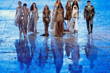 Supermodels Represent the UK at the 2012 London Olympics Closing Ceremony
