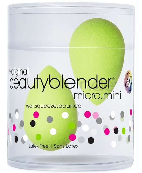 Use A Mini Beauty Blender For Under-Eye Touchups