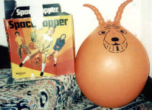 1971: Space Hoppers