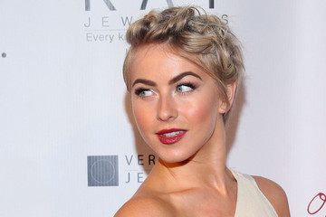 Hair Envy of the Day: Julianne Hough's Faux Updo Twist