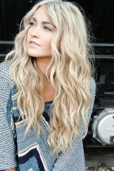 Classic Beach Waves Look