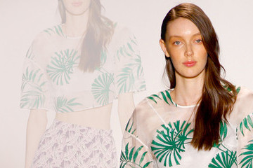 Fashion Trend Report: Palm Prints