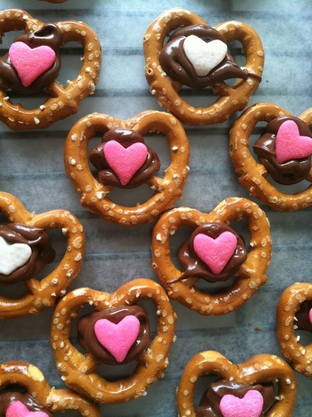 Valentines Day Desserts That Make The Most Perfect Little Gifts
