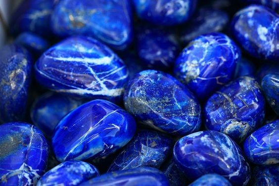 Cancer: Moonstone, Lapis Lazuli - Healing Crystals For Each