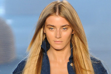 Follow These 3 Simple Steps to Get the Barely-There Runway Look