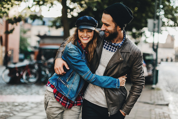 online dating someone another country The courtship part of online dating is very healthy to building a solid relationship when couples get to know one another for someone online.