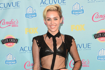 How to DIY Miley Cyrus' Side-Swept Pixie