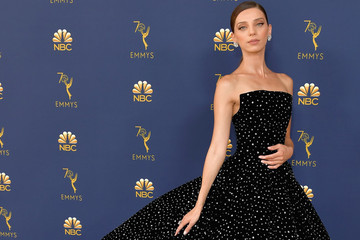 Every Stunning Dress On The 2018 Emmy Awards Red Carpet