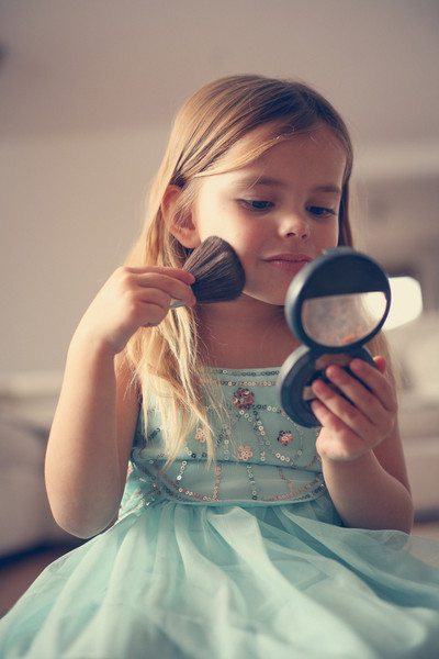 How can we start guiding girls as toddlers and preschoolers to develop healthy body images?