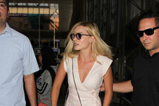 Look of the Day: Margot Robbie's Airport Style