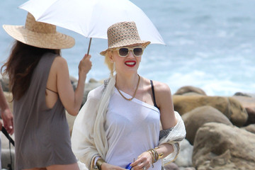 Gwen Stefani's Effortless Beach Look