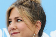 Jennifer Aniston Hair Knot