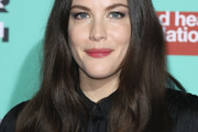 Liv Tyler Long Wavy Cut